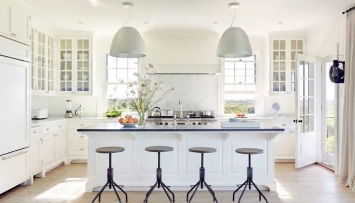 طراحی داخلی آشپزخانه رنگ سفید