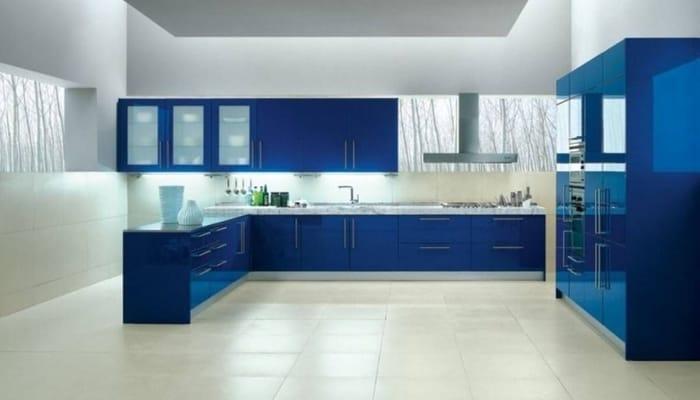 طراحی داخلی اشپزخانه با رنگ آبی