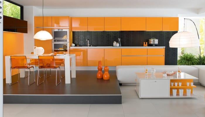 فضای داخل آشپزخانه